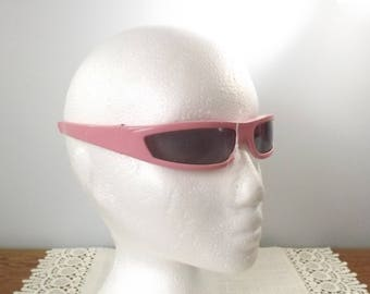 Vintage Perfectly Pink Wrap-around Sunglasses, NOS Marked Italy