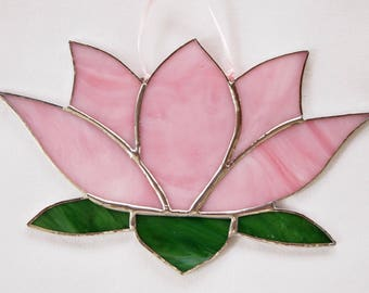 Water Lily Stained Glass Flower Suncatcher