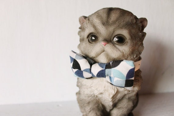 Bow tie cat collar >> Small dog bow tie >> Blue, black, grey bow tie, white leather strap and silver buckle >> Pet gift