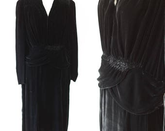 1930s black velvet dress // peplum dress // vintage dress