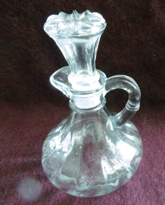 Vintage glass vinegar oil cruet bottle for Easy break glass bottles