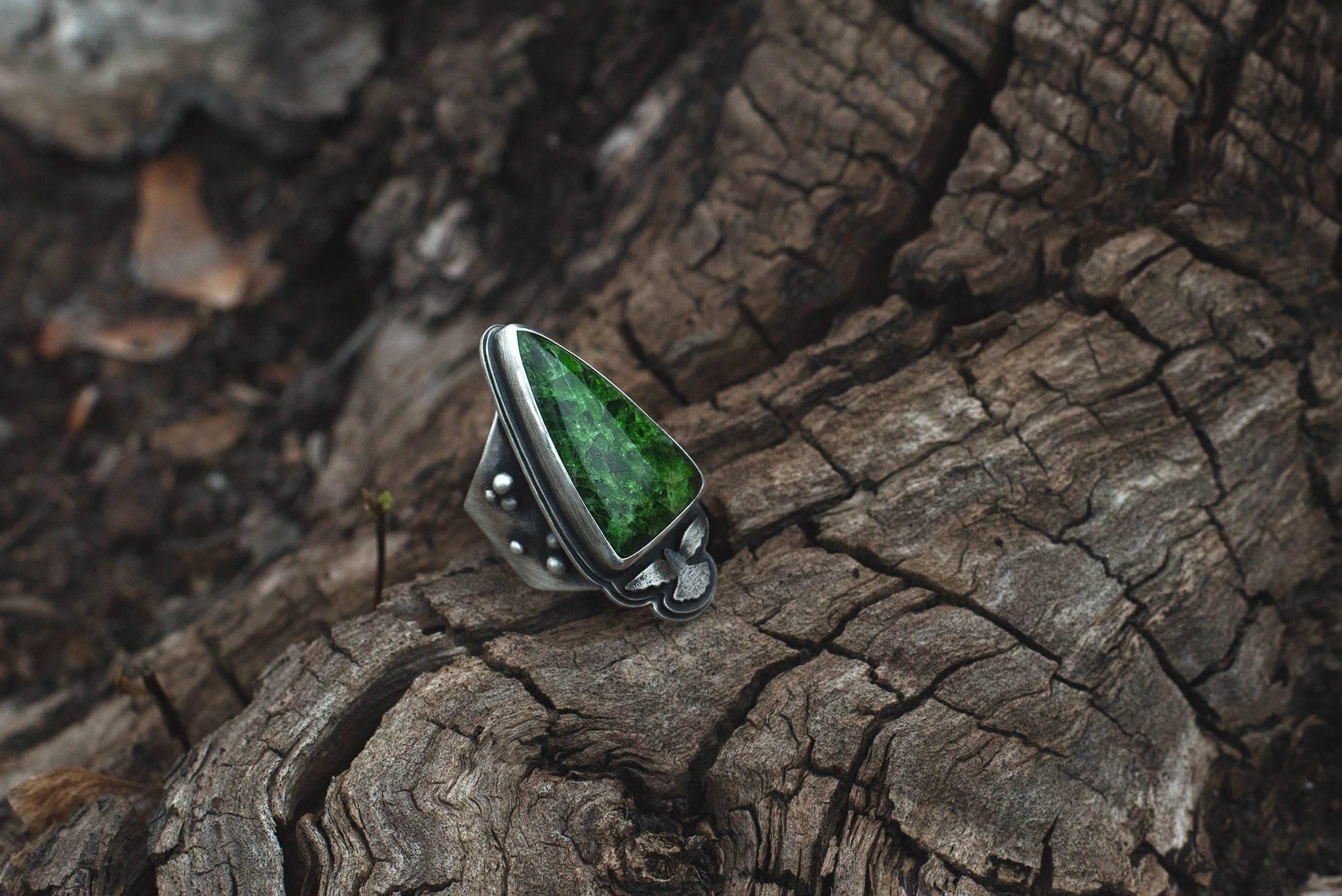 siberian emerald ring ring gemstone green