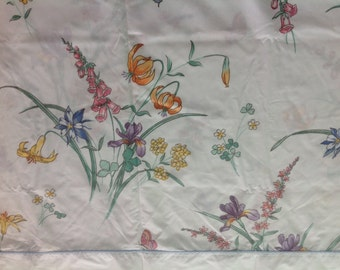 Vintage Floral Full Size Flat Sheet by JCPennys Flowered Full Size Bedsheet