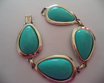 Vintage Unsigned Goldtone/Turquoise Chunky Bracelet   Only 7 inches Long