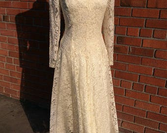 1990's Nancy Johnson wedding dress / Vintage / beading and floral pattern