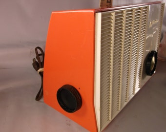 Airline Radio Rare Old  Tube Radio Model# GTM-1689-A Coral And White Vintage WORKS!!.epsteam