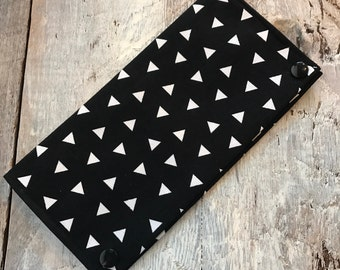 Protects health, white triangles on black, plain black inside