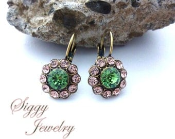 Victorian Inspired Daisy Flower Earrings, Green and Vintage Rose, Cluster Drop Lever Backs, Antique Brass Finish, Siggy Jewelry