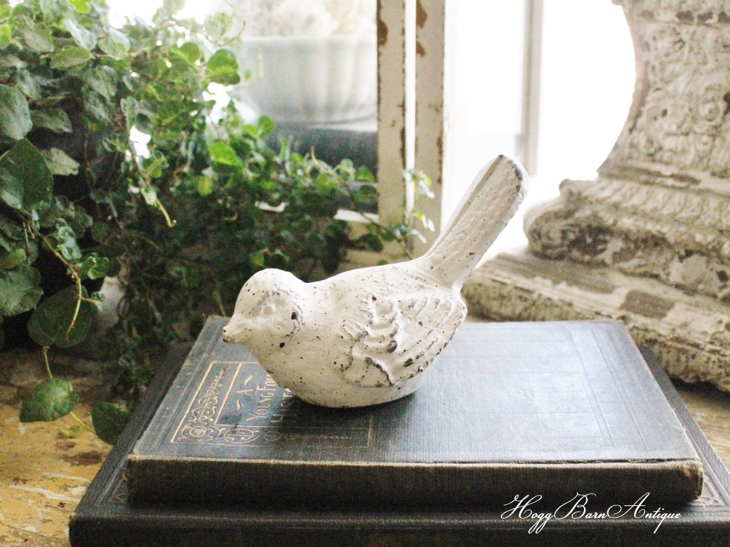 Chippy White Cast Iron Bird Birdie Metal Garden Decor Farmhouse Decor French Country Chic Vintage