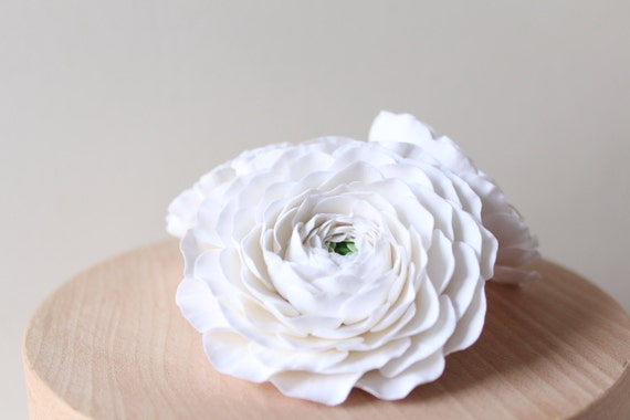 Hair clip polymer clay flower. White ranunculus.