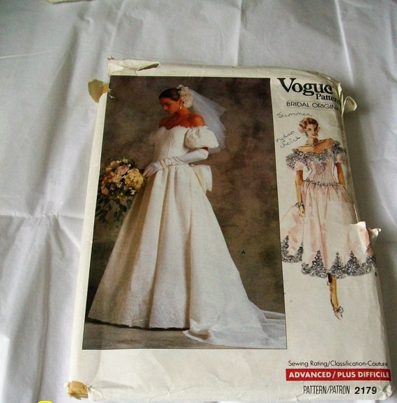 Vintage wedding dress pattern vogue bridal originals for Wedding dress sewing supplies