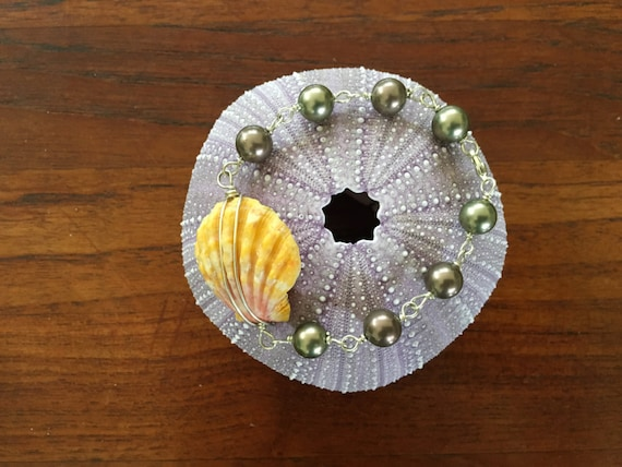 Sunrise Shell w/Pearl Charms Bracelet