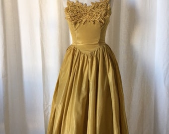 Stunning 1950s Party Dress l Golden Mustard Faille with matching Bolero l Embroidered Leaf Detail