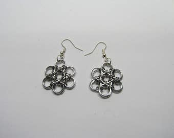 Chainmail Daisy Earrings - Silver