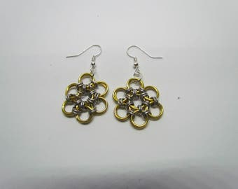 Chainmail Daisy Earrings - Gold