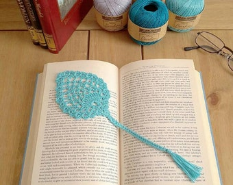Pineapple/leaf design crochet bookmark with tassel