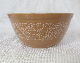 Vintage Pyrex Woodland Lt. Brown 402 serving bowl 1970's replacement retro kitchen serveware mixing nesting