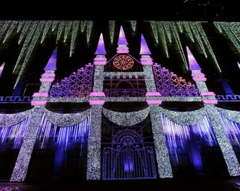 Winter Palace Christmas Light Show   Saks Fifth Avenue   New York Street  Art   Rockefeller