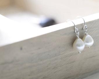 Teardrop Freshwater Pearl Earring/Creamy White Pearl Earring/Wedding Jewelry/Wire Wrap Jewelry/Small Pearl Jewelry/My Beautiful Days Jewelry