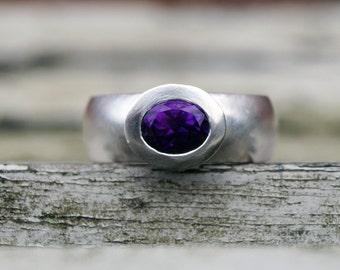 Amethys silver ring, oval amethyst ring