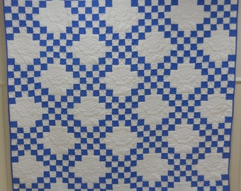 Superb!  Amish, Double Irish Chain Quilt.  Blue & White.    Great Condition.