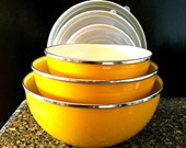 DO NOT BUY - Reserved For Nicole Vintage Yellow Enamelware Nesting Bowls with Lids 1960s, Goldenrod Mustard Metal Mixing Bowls Set, Retro