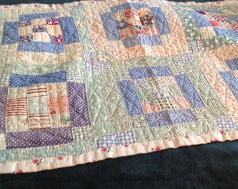 Vintage quilt, for baby or a doll, circa 1920