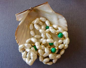 """Fresh Water Pearl Necklace Green and Gold-Tone Beads 30"""" / Vintage Cultured Fresh Water Pearls Necklace"""