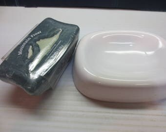 Andre Richard Vintage Ceramic Soap Dish With Free Bath and Body Works Men's COOL SPRING Massage Bar Soap