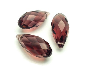 Briolette / Briolettes / 2 Crystal Briolettes / Faceted Briolette / 20 x 9 mm / Grape Briolette / Earring Briolettes, Briolette Beads