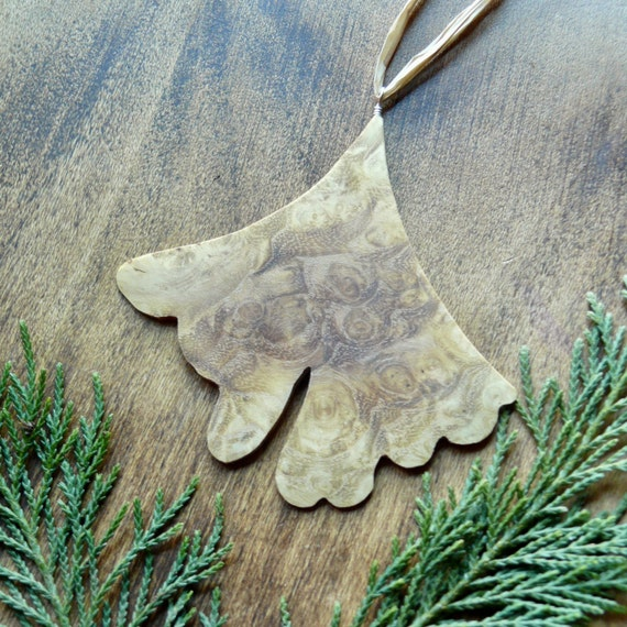 Natural Christmas Tree Ornaments, Wooden Christmas Ornaments, Ginkgo Leaf Ornament, Rustic Wooden Holiday Decor, Unique Holiday Decorations