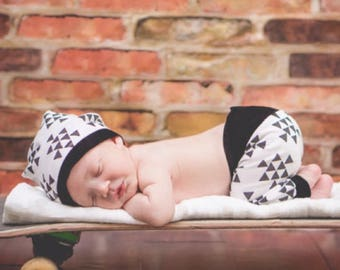 Black and White Triangle  Leggings Baby Boy/Going Home Outfit/Toddler Pants/Baby Leggings/Pants Bandana Set/Deer Head Outfit/Hipste