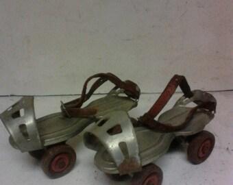 Metal roller skatea