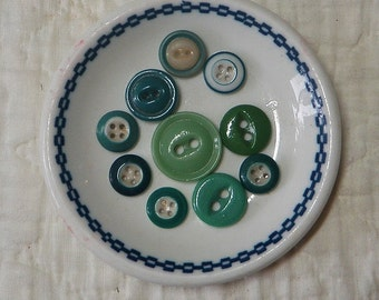 10 China Buttons Shades of Green