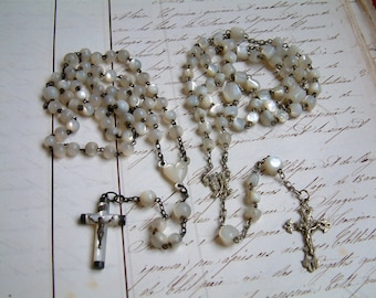 Set of 2 Antique French mother of pearl rosaries. Mother of pearl rosary. White rosary. Jeanne d'Arc living. Nordic living.White shabby chic