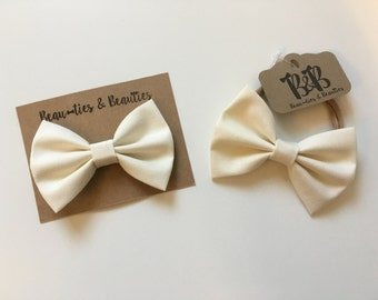 Ivory Clip On Bow Tie, Ivory Hair Bow, Ivory Hair Clip, Baby Bow Tie, Toddler Bow Tie, Baby Headband Bow, Toddler Hair Bow, Ivory Bow Tie