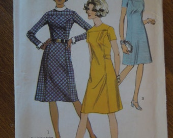 Simplicity 9059, size 18, misses, womens, UNCUT sewing pattern, craft supplies, dress