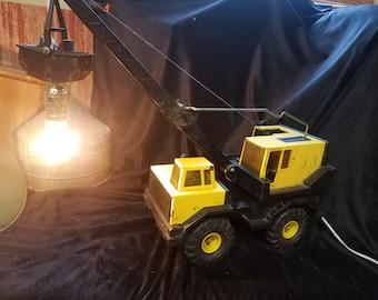 Tonka Crane accent light