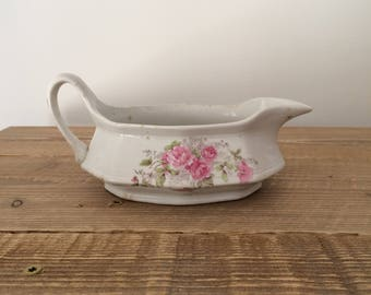 Vintage Lee's New Colonial Gravy Boat