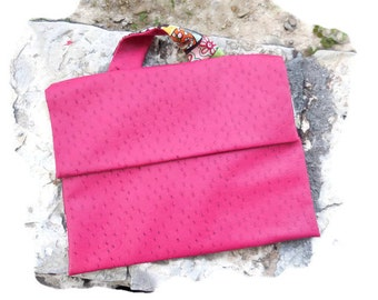 Pocket tissue shelf print book and pink leatherette Kit with