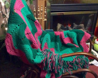 Vintage hand made crocheted afghan blanket throw. Watermelon colors. Excellent. Free ship to US