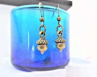 SMALL 3D ACORN EARRINGS - bronze acorn lightweight earrings - acorn earrings