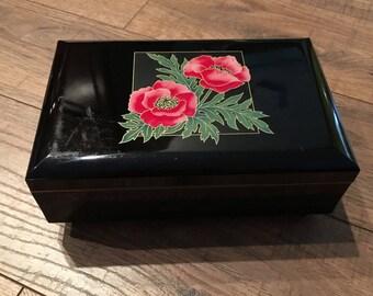 Vintage Yamanaka musical jewelry box, Japanese lacquerware box, lacquered jewel case