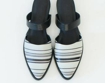 Black mules flats // Leather mules // Pointy flats // Slip on shoes // Women flat clogs // black flats // closed mules // stripes shoes