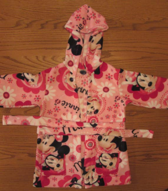Minnie Mouse robe/Minnie Mouse fleece robe/girls robe/fleece robe/long robe/robe with pockets/girls gift/Minnie Mouse/Minnie Mouse gift