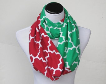 Christmas scarf red green colorblock infinity scarf, Quatrefoil scarf, soft jersey knit loop scarf, circle scarf gift for Christmas Holidays