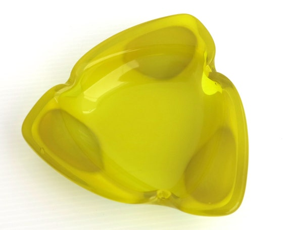 Mid 20th century yellow and white glass ashtray, bright yellow transparent glass layered over opaque white glass, circa 1960s