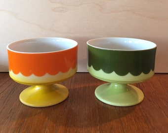 Mod footed ice cream / dessert cups set of 2