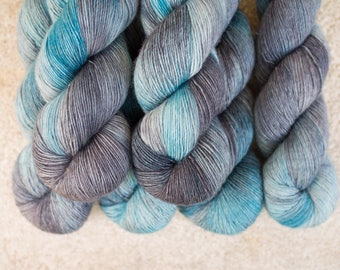 Merino Single - Hand dyed - 100 grams - 366m/400yards - Cloudy Sky