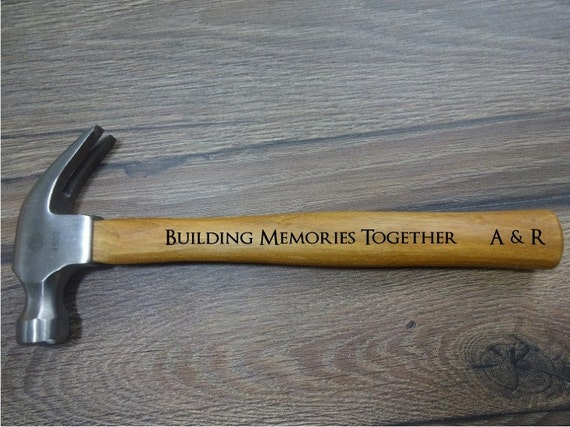 personalisierte hammer geschenk f r ihn vater ehemann. Black Bedroom Furniture Sets. Home Design Ideas